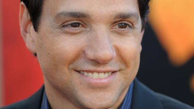 Ralph Macchio toegevoegd aan cast van Karate Kid-serie