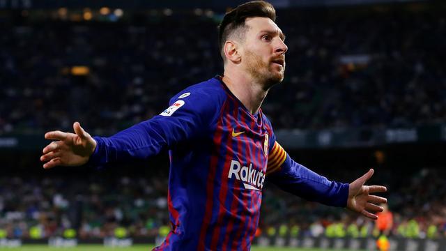 Messi geïmponeerd door staande ovatie Real Betis-fans na derde treffer