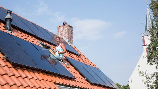 Willem en Anja besparen met zonnepanelen