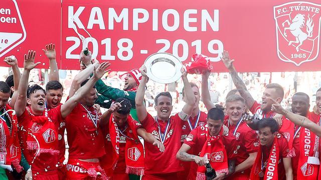 FC Twente verzekert zich van titel en keert na jaar terug in Eredivisie
