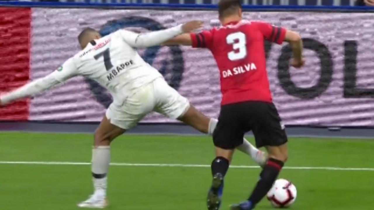 Mbappé maakt harde overtreding in verloren bekerfinale
