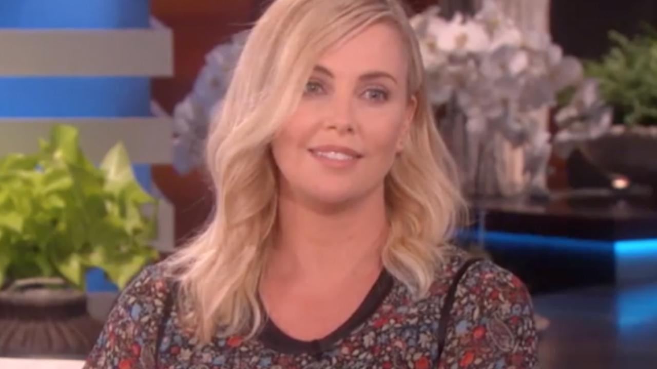 Charlize Theron vertelt over dwangneuroses bij The Ellen Show