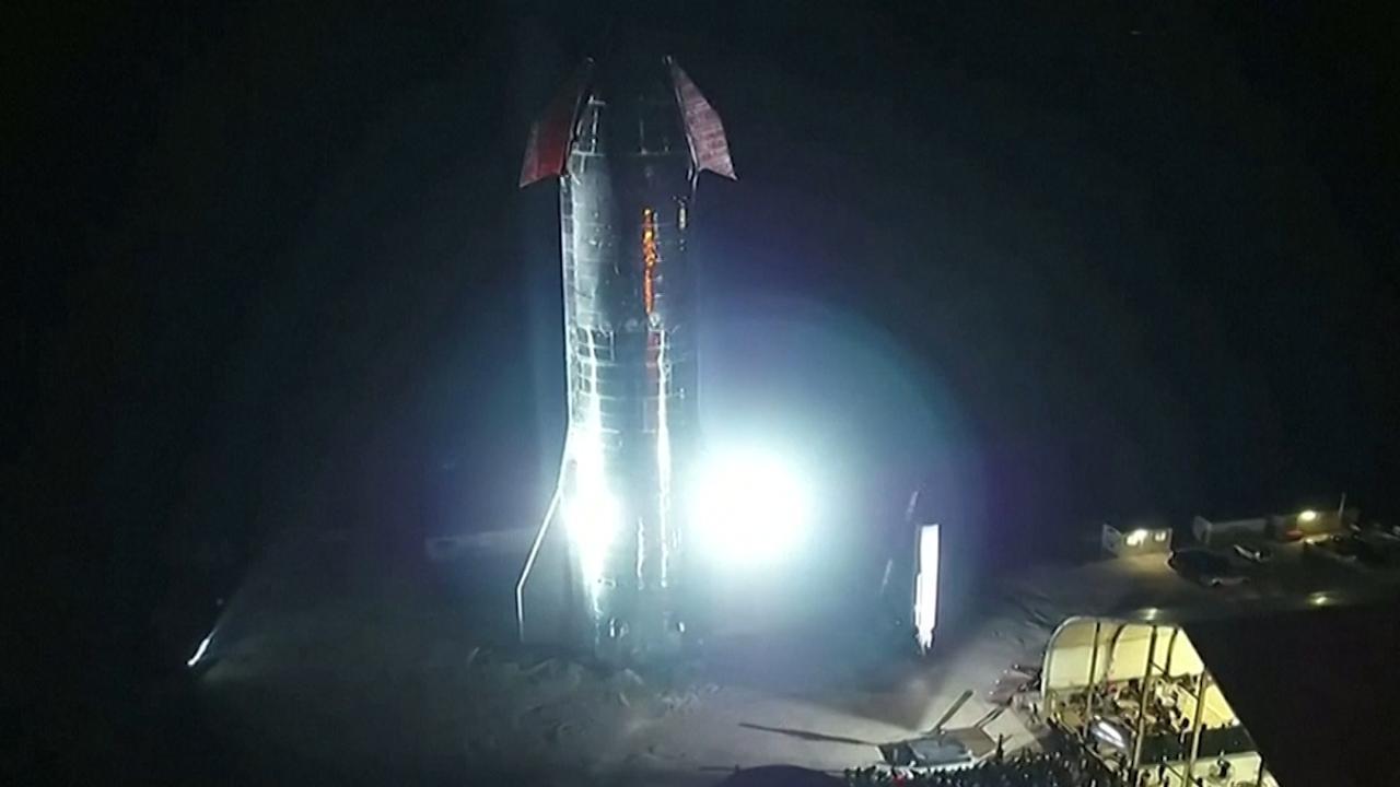 Elon Musk presenteert spaceshuttle voor trip naar Mars