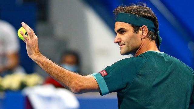 Roger Federer rekende na 2,5 uur af met Dan Evans in zijn eerste officiële wedstrijd sinds januari 2020.