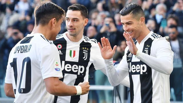 Juventus blijft dankzij Ronaldo ongeslagen, Kluivert wint met Roma