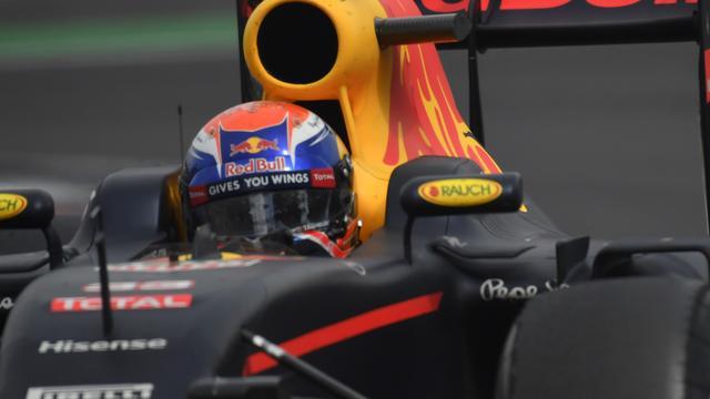 Zesde plaats Verstappen in kwalificatie, Hamilton op pole in Abu Dhabi