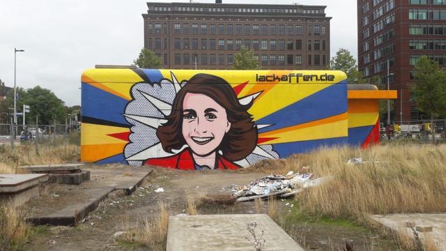 Duitse kunstenaar schildert levensgrote Anne Frank bij Wibautstraat