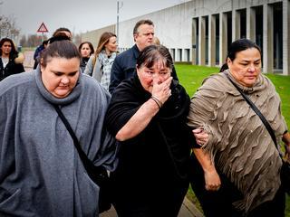 Advocaten en nabestaanden verlaten uit onvrede rechtszaal