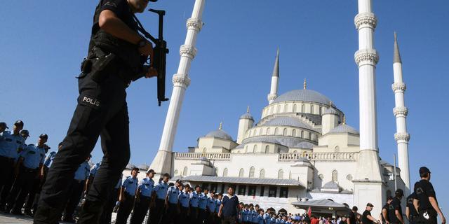 Turkije arresteert ruim duizend mensen in verband met mislukte staatsgreep