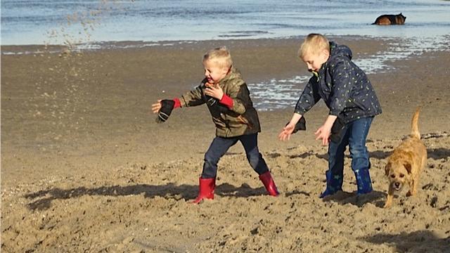 Strand in Wales krijgt rookverbod vanwege gezondheid kinderen