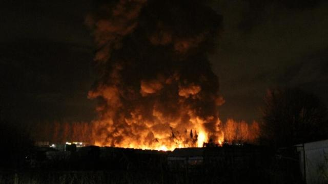 Grote brand in loods Schiedam