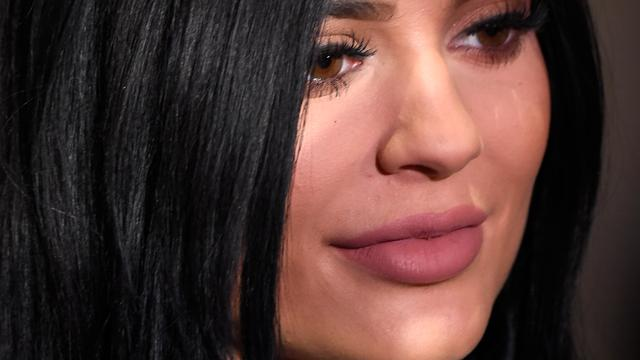 'Kylie Jenner moet straatverbod eisen voor fan'