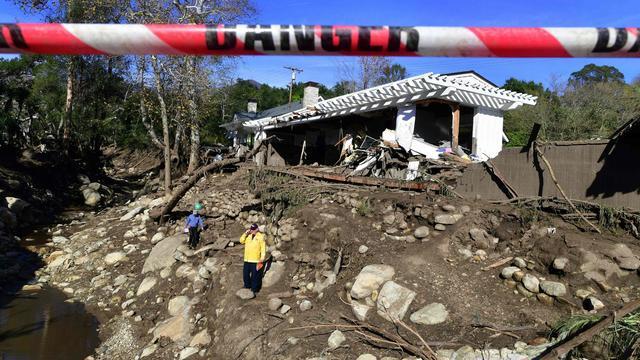 Evacuaties voor dreigende modderstromen in verwoeste bossen Californië