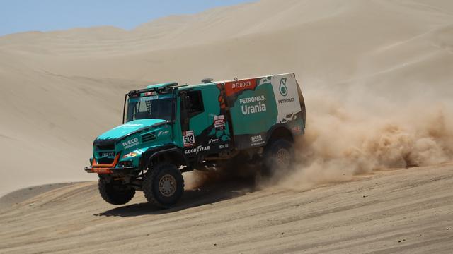 De Rooy lijkt alleen nog kans te maken op derde plaats in Dakar Rally