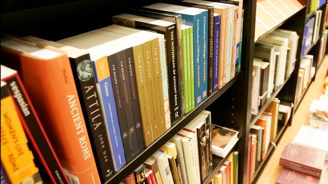 Margreet de Haan in boekenpanel De Wereld Draait Door
