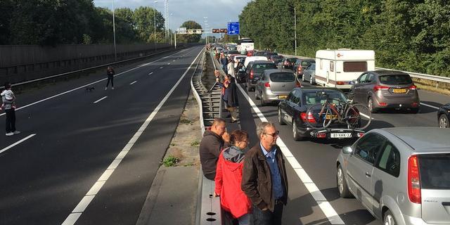 Veel vertraging door storing brug A8 tussen Amsterdam en Zaandam