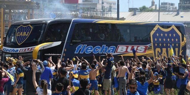 Burgemeester geeft 'voetbalmaffia' schuld van aanval op spelersbus Boca