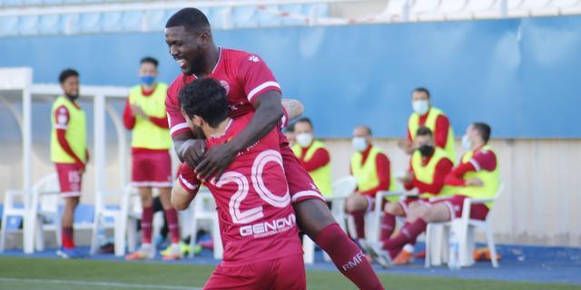 Drenthe tekent met fraaie volley voor zijn eerste treffer bij Racing Murcia