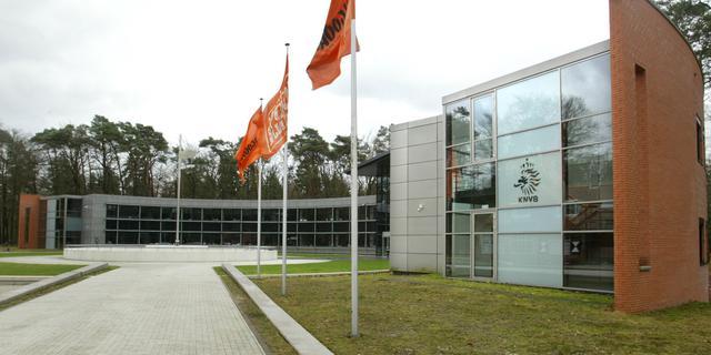 KNVB gaat overleggen met clubs en spelers over vervroegen transferdeadline