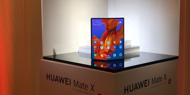 Huawei verkoopt opvouwbare Mate X vanaf maart in Nederland
