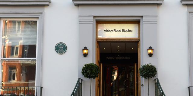 Goed nieuws: Abbey Road Studios weer open | Indiase rivier minder vervuild
