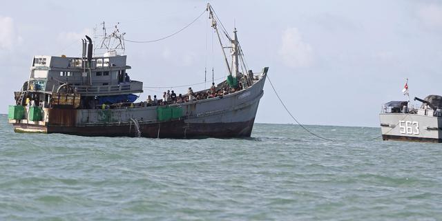 700 migranten in Myanmar weer aan land gebracht