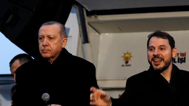 'Turkse minister van Financiën en schoonzoon van Erdogan treedt af'