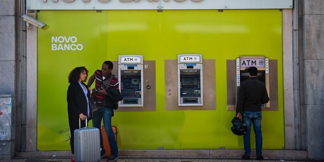 Investeerders tegen verkoop Novo Banco aan Lone Star