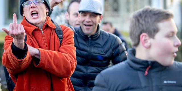 Officier van Justitie kijkt mee bij Pegida-demonstraties Amsterdam