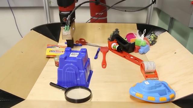 Robot voorspelt eigen acties met beeldsimulatie
