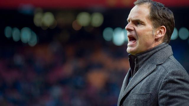Ajax buigt in besloten oefenduel voor Southampton