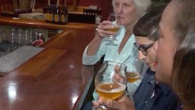 Nieuw Amerikaans biertje helpt vrouwen tijdens menopauze