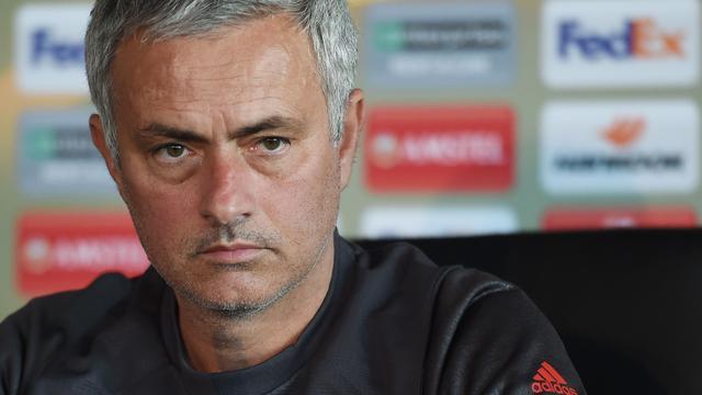 Opnieuw schorsing en geldboete voor Mourinho na misdragingen