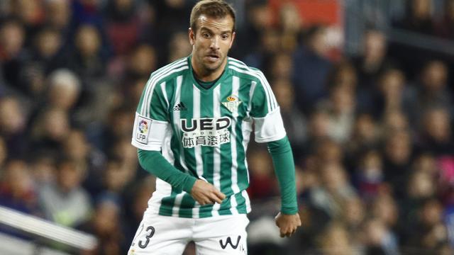 Fans Real Betis vragen om ontslag Van der Vaart