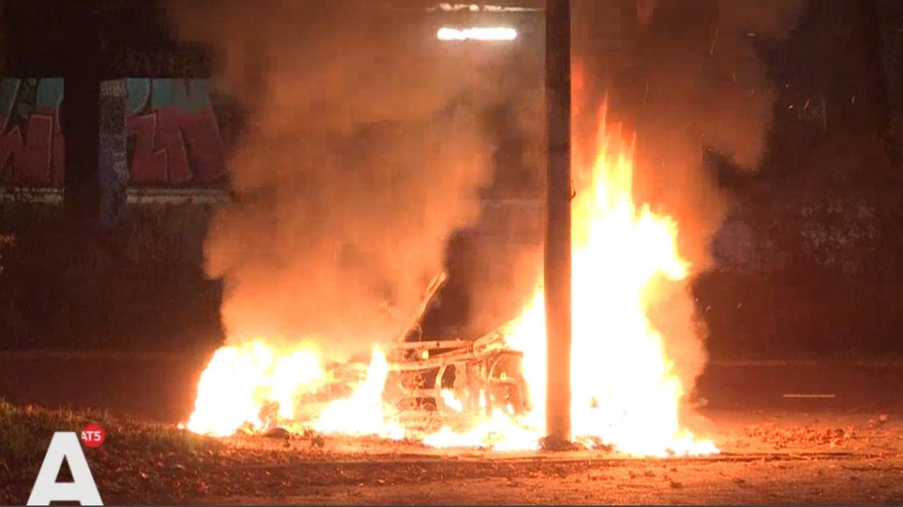 Scooter verwoest door brand in Noord