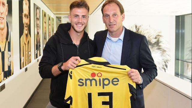 Van Wolfswinkel tekent voor drie jaar bij oude club Vitesse