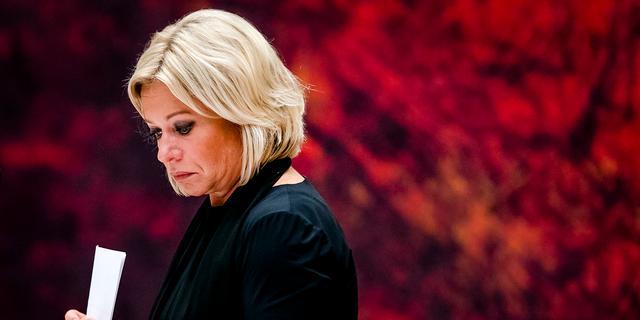Minister Hennis treedt af na rapport OVV over mortierongeval Mali