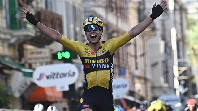 Wout van Aert was vorig seizoen voor het eerst de beste in Milaan-San Remo.