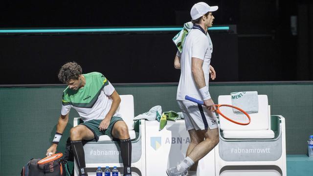 Andy Murray knokte zich tegen Robin Haase terug van een set achterstand.