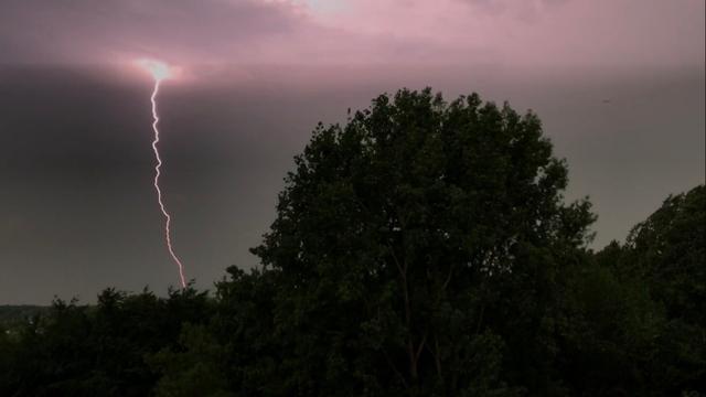 KNMI geeft code geel voor Groningen wegens onweer en hagel