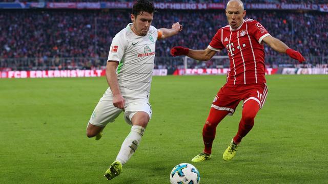 Robben wint met Bayern, averij Tottenham door eigen goal Sanchez