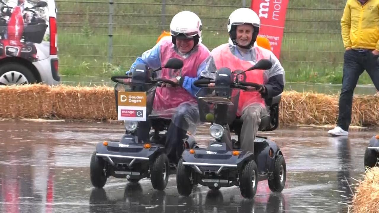 Bejaarden strijden op circuit Zandvoort om NK Scootmobiel