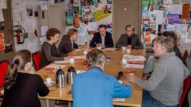 BplusC wil betere plek voor bibliotheek Merenwijk