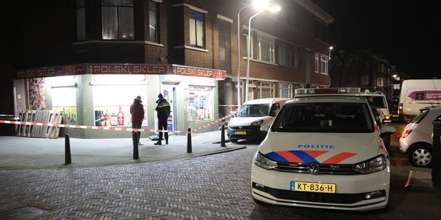 Woning aan Mijehof in Zuidoost beschoten, verdachte nog voortvluchtig