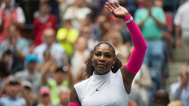 Serena Williams schrijft geschiedenis met winst in derde ronde US Open