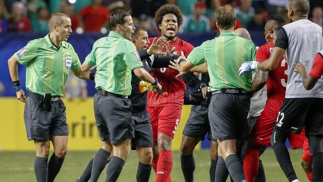 CONCACAF stelt onderzoek in naar beslissingen arbitrage Gold Cup