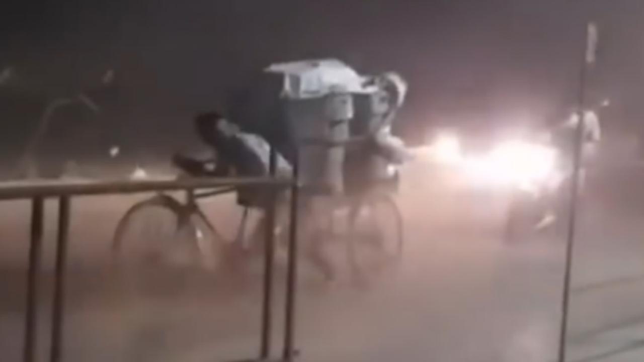 Compilatie: Dodelijke zandstormen razen over noorden India