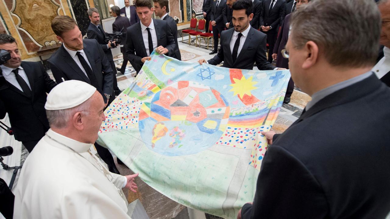 Duits elftal bezoekt de paus in Vaticaanstad