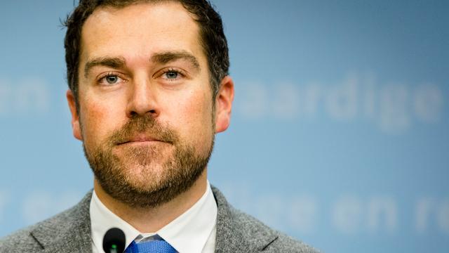 Dijkhoff wil harde maatregelen als landen niet meewerken bij terugkeer