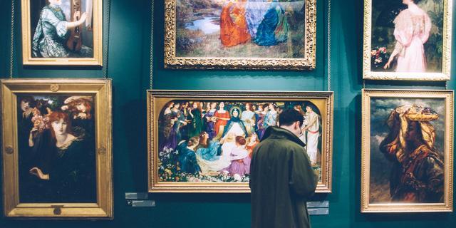 Geld in kunst investeren: 'Ga voor kunstenaars die al in musea hangen'